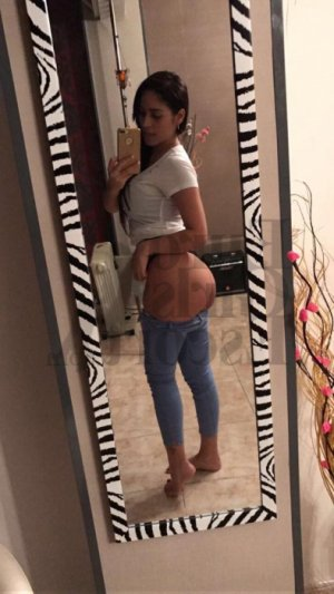 Amirah speed dating in Seven Hills Ohio & escort girls