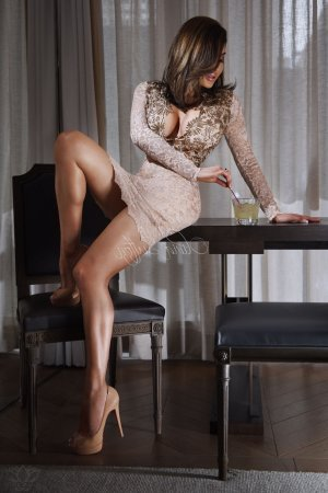 Anne-martine escort girl