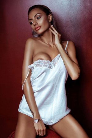 Diorobo independent escorts in Ridgecrest